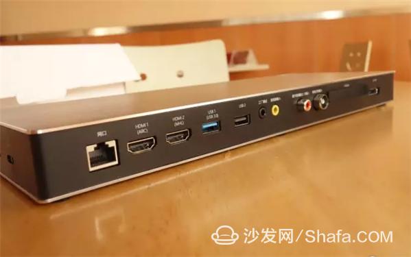 9600将所有接口都集成在智能盒子 HDMI接口X2、USB3.0接口、USB