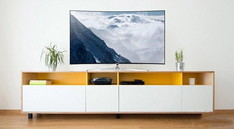 1操作系统,采用umax客厅影院系统,为用户打造基于客厅环境的巨幕影院