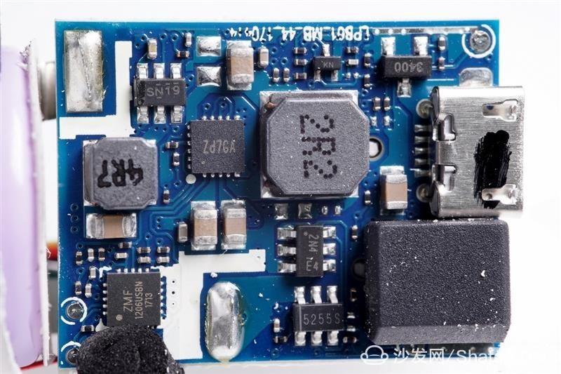 Sdaaef400-eb15-4865-a040-68cf888f038e_副本.jpg